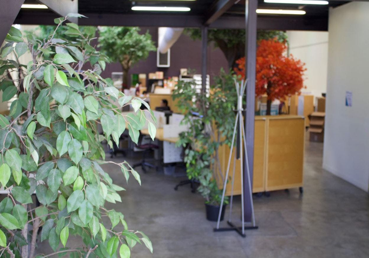 The Co-worker - part-time desk, coworking at LaunchPad 2, image 1