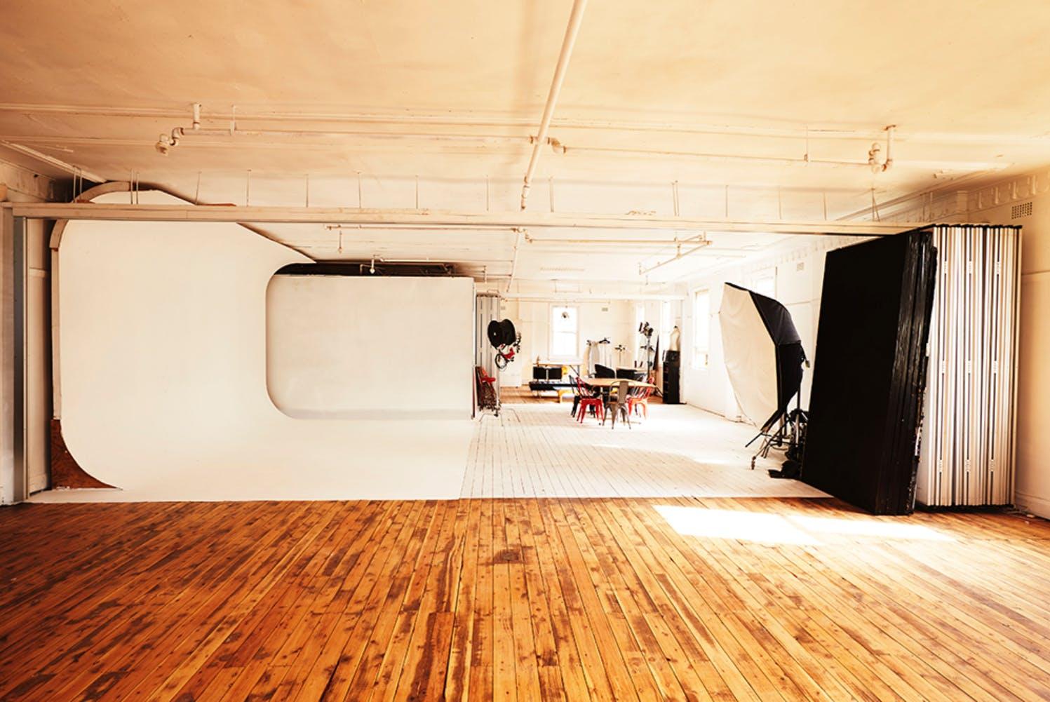 Creative studio at Shooting Birds Studio, image 1