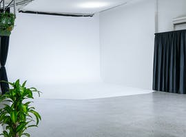 PHOTO/VIDEO STUDIO, creative studio at Workhorse Studio, image 1
