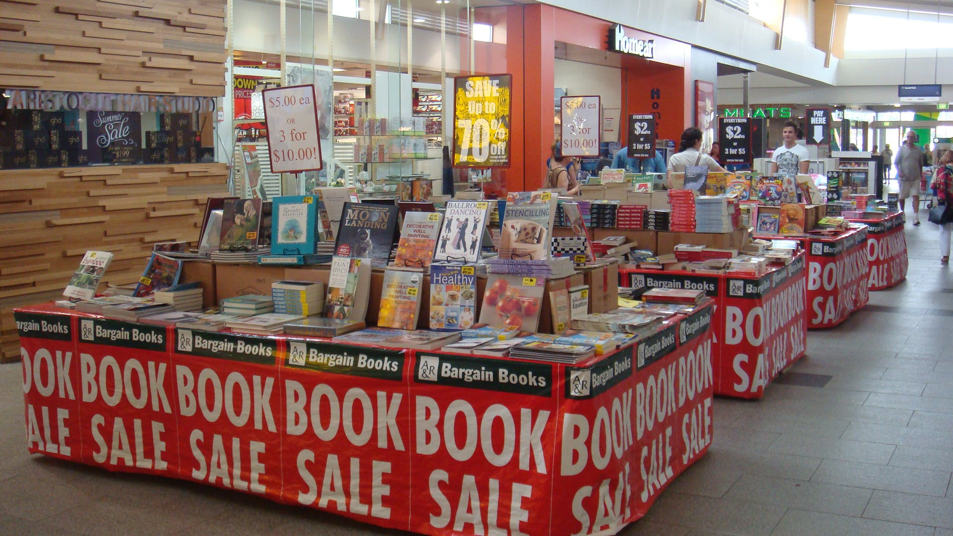 Pop-up shop at Stockland Forster, image 1
