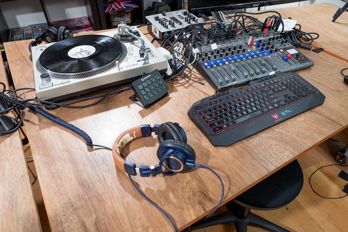 The Vinyl Room, creative studio at Castaway Studios - Podcasting Studio, image 7
