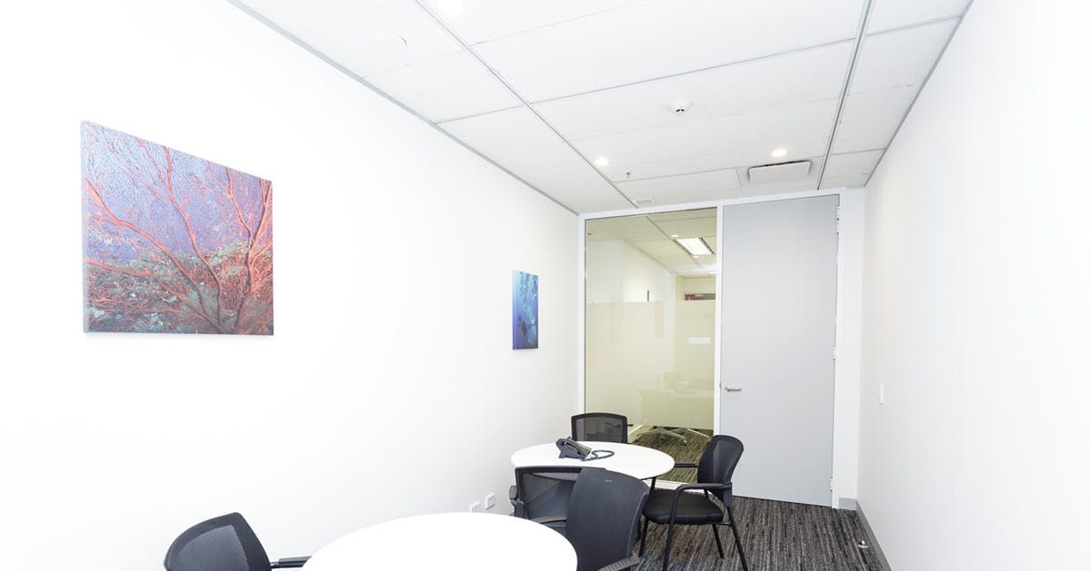 Cracknell, meeting room at INS Career Management, image 1