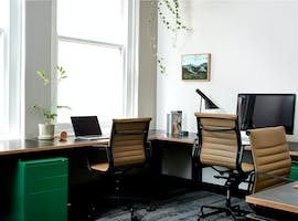 Hot desk at Plus U, image 1