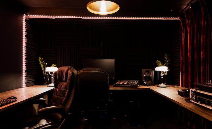 Podcast/Vodcast Studio Recording - Studio 4, creative studio at Mo's Desert Clubhouse, image 1
