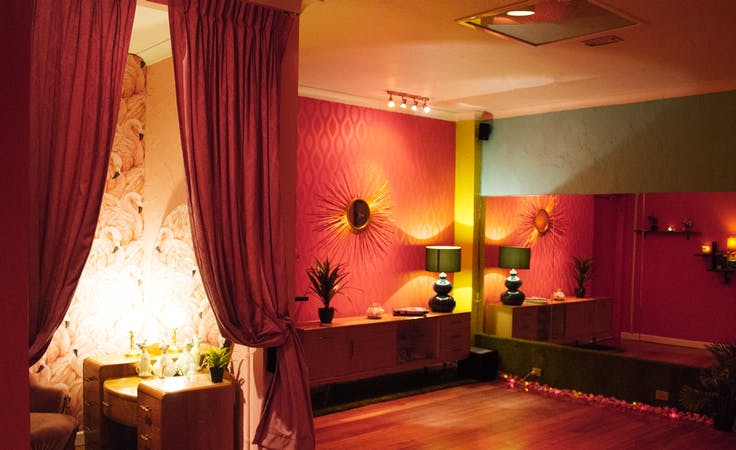 The Flamingo Room, multi-use area at Maison Burlesque, image 1