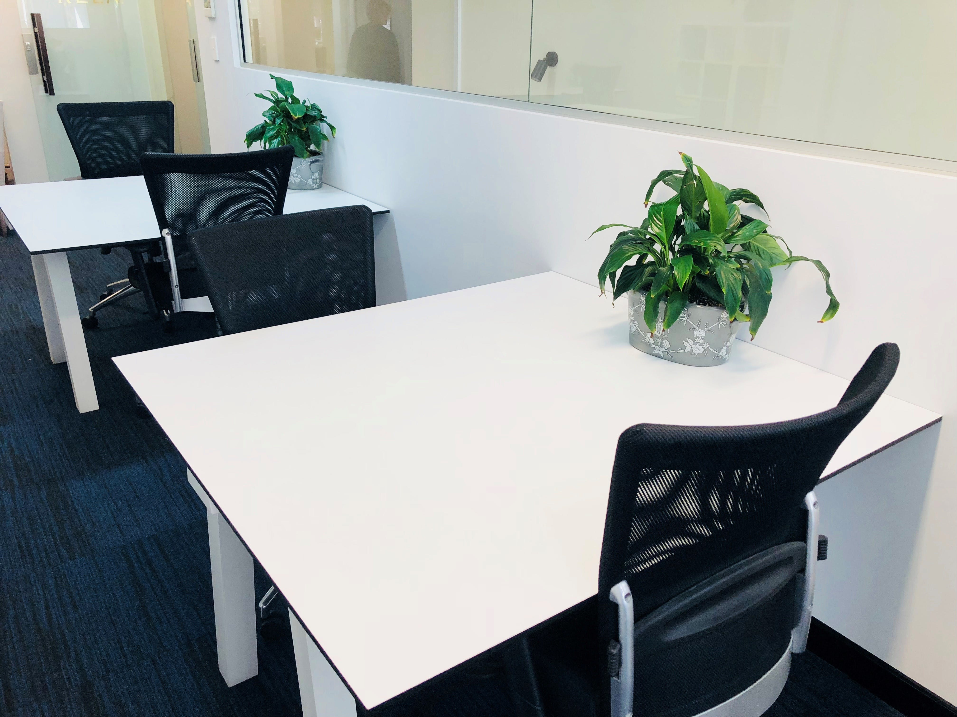 Hot desk at Bay Street Offices, image 1