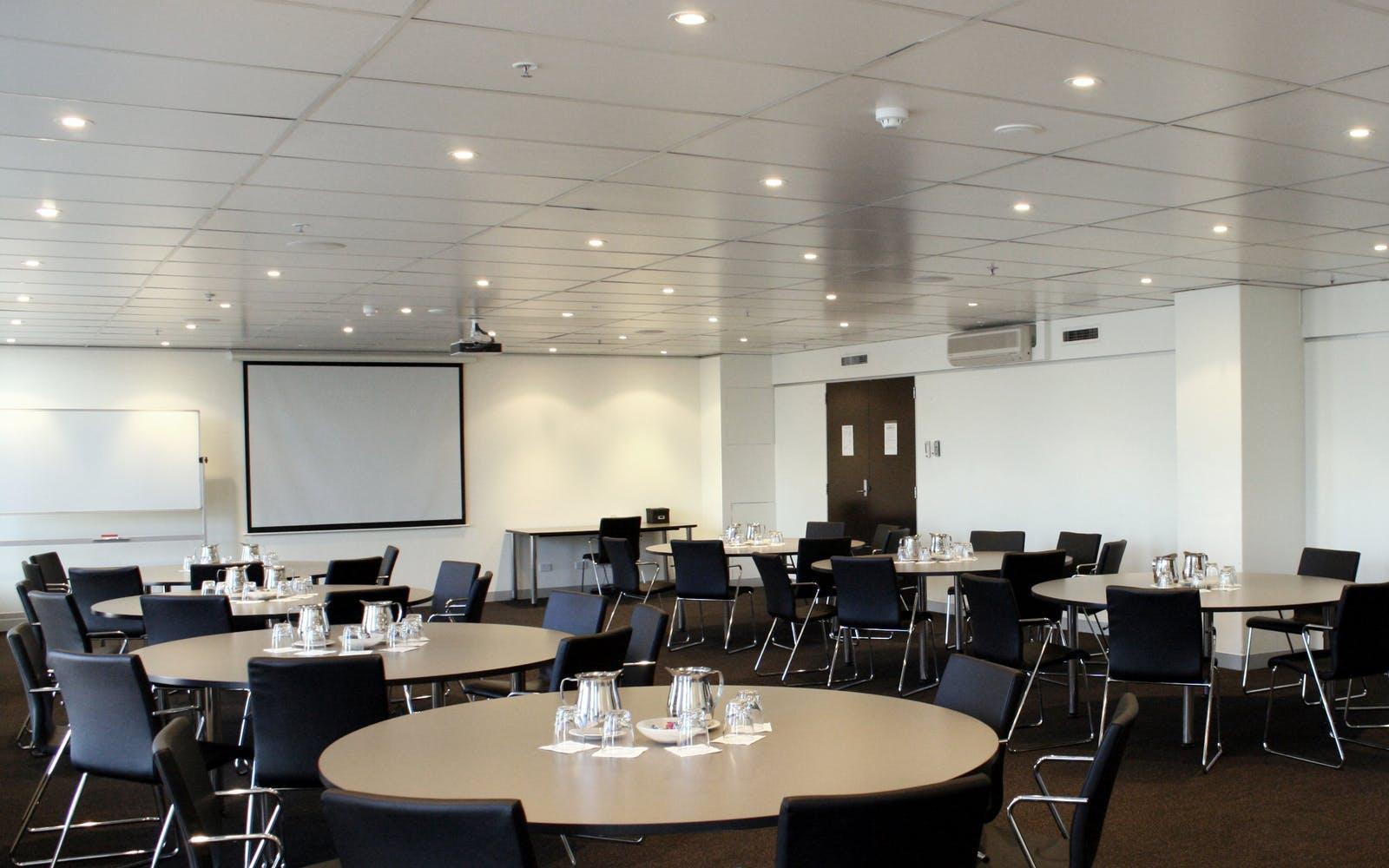 Medium Room, function room at Karstens Brisbane, image 1