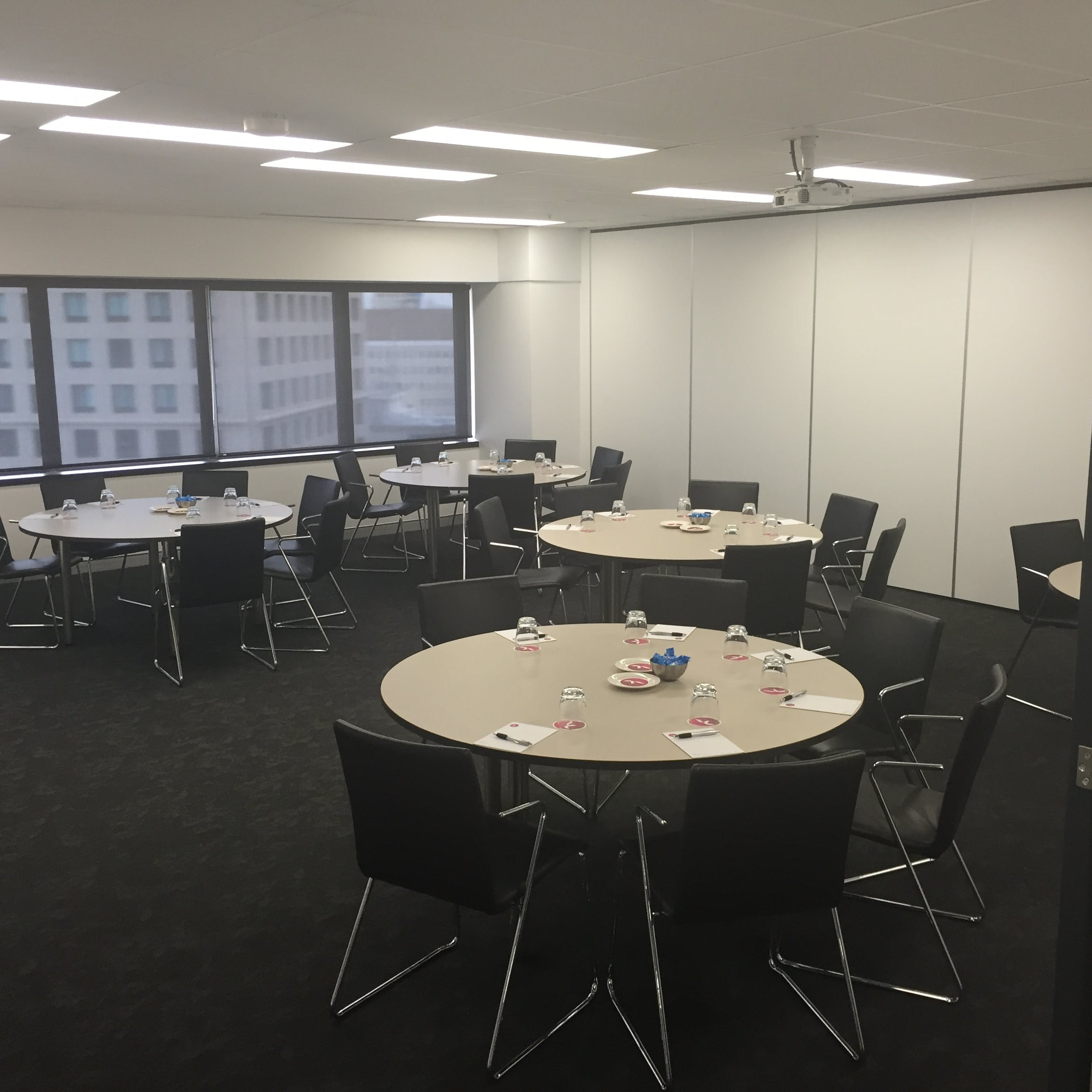 Standard Room, function room at Karstens Brisbane, image 1