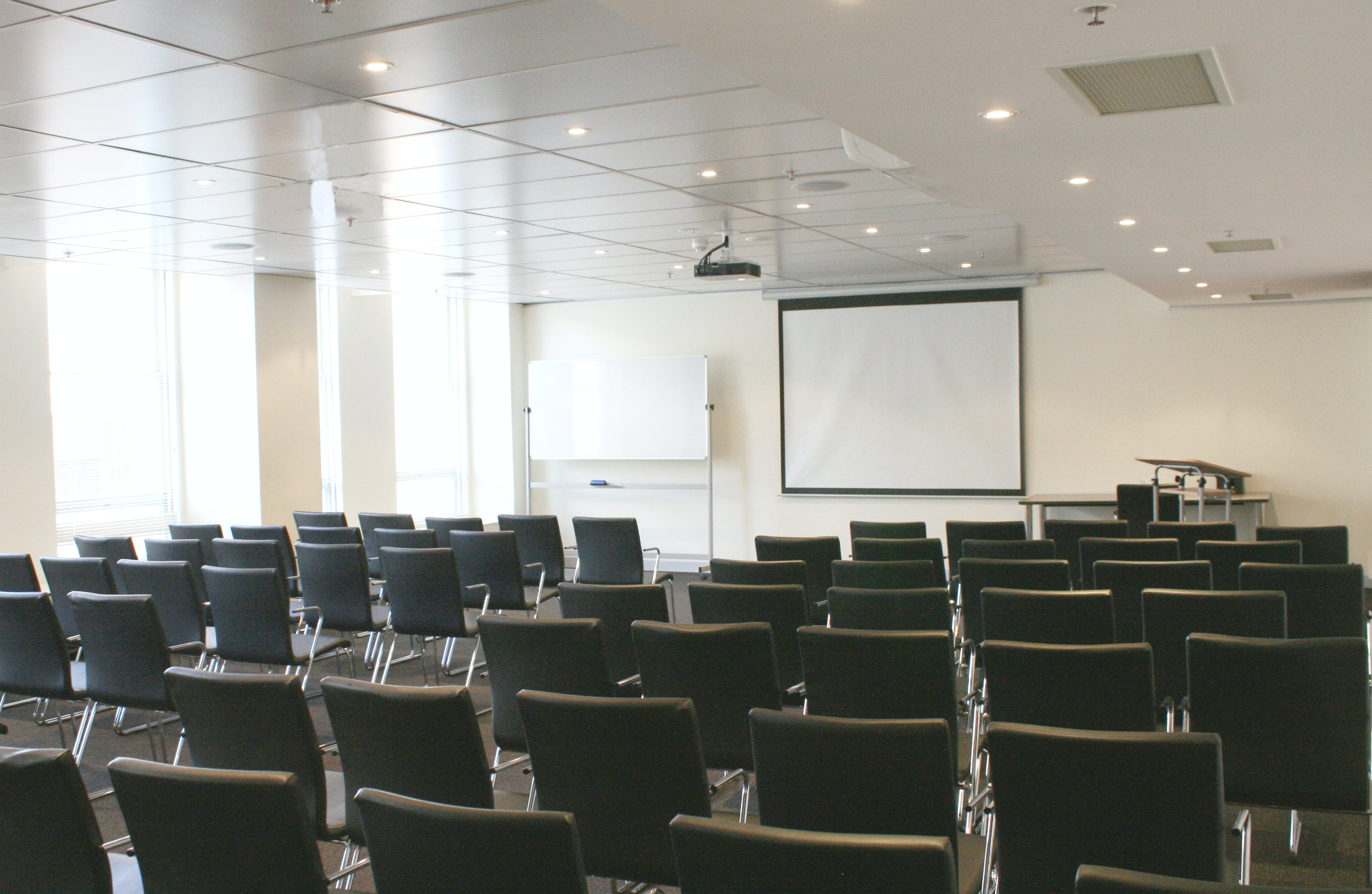 Medium Room, function room at Karstens Melbourne, image 1