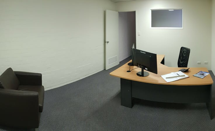Suite 3, private office at 10 Ledgar, image 1