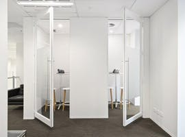G12 (Internal), private office at 555 Bourke Street, image 1