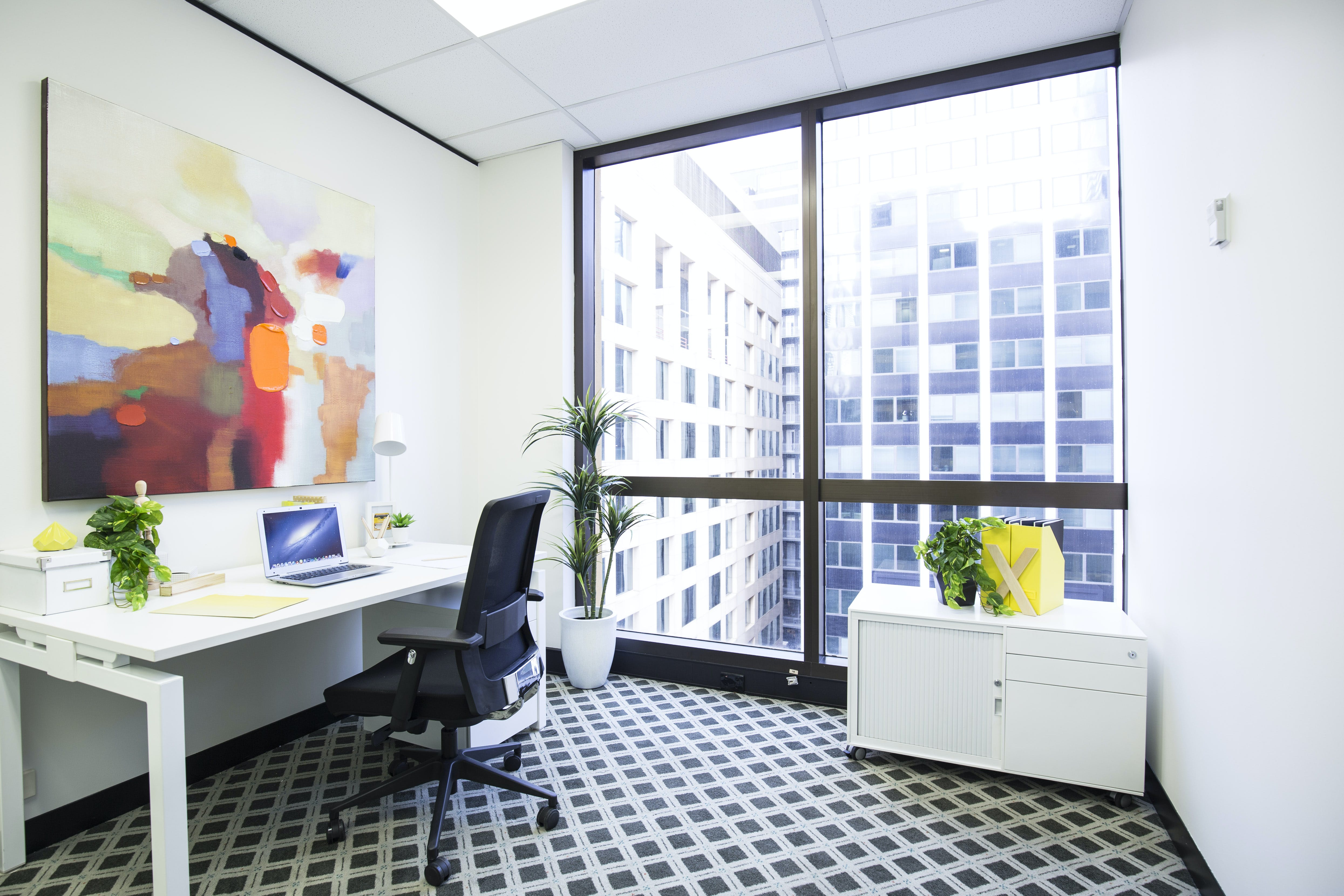 Suite 905g, private office at Exchange Tower, image 1