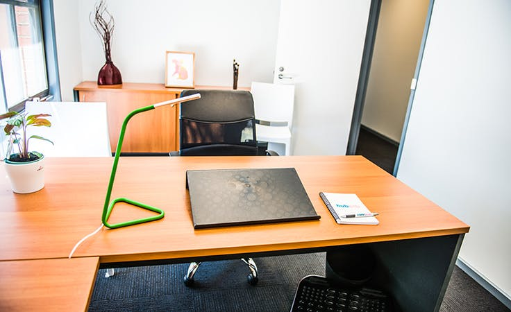 Private office in a quiet & professional environment, image 1