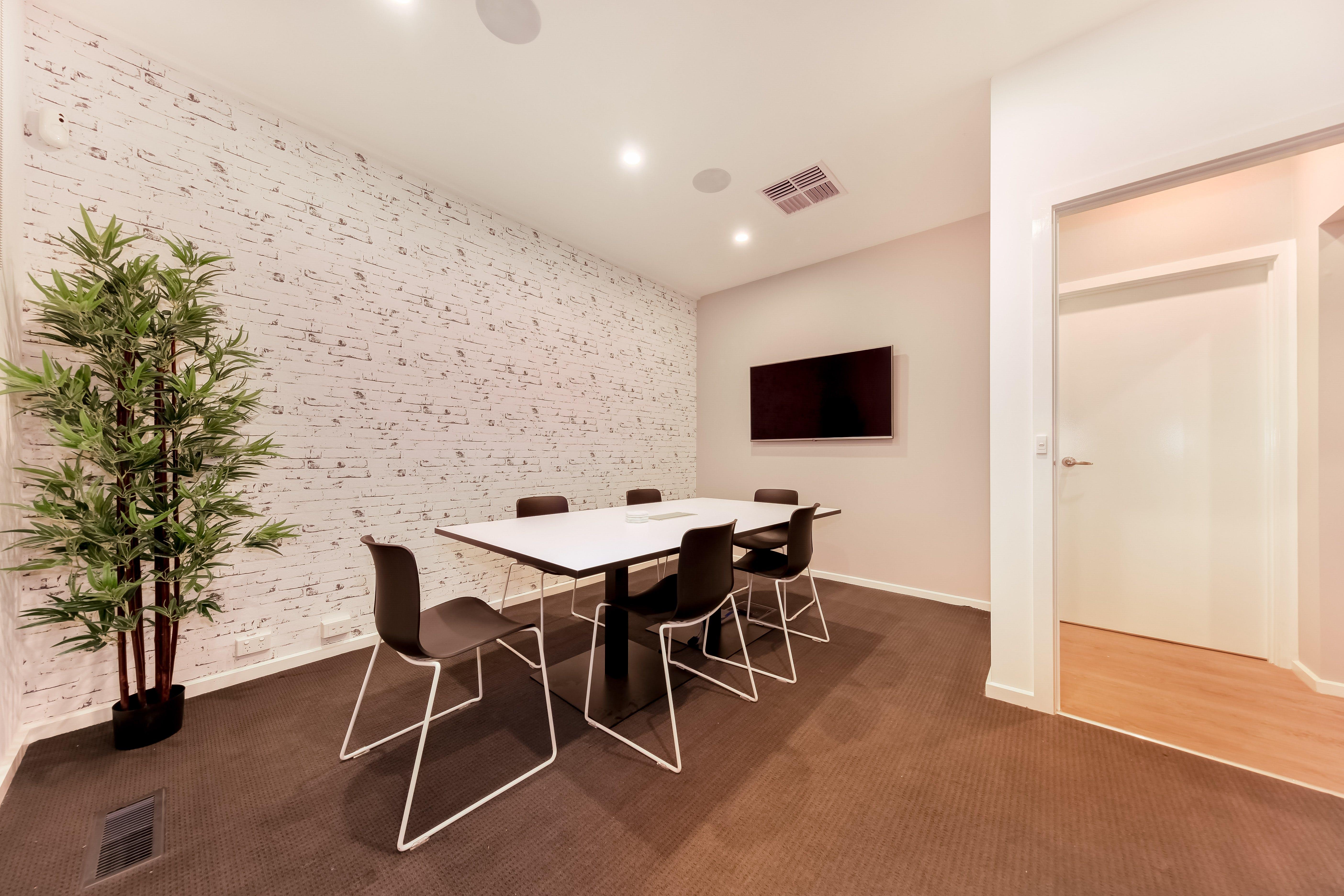 Meeting room at Platinum Accounting, image 1