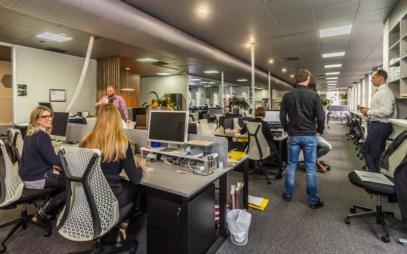 Hot desk at DaSH Cowork, image 1
