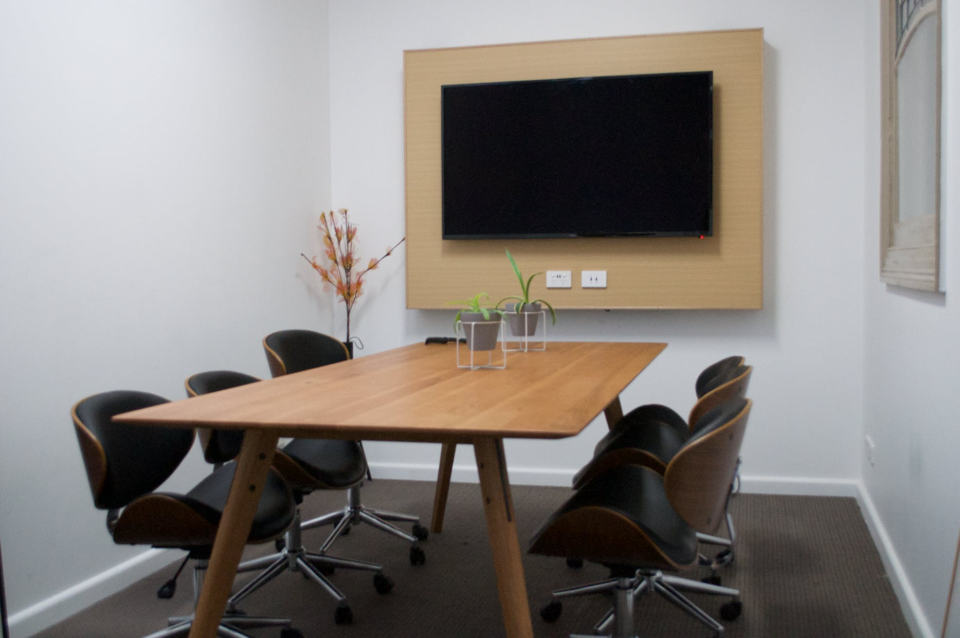 6 person, meeting room at Kindred Studios, image 1