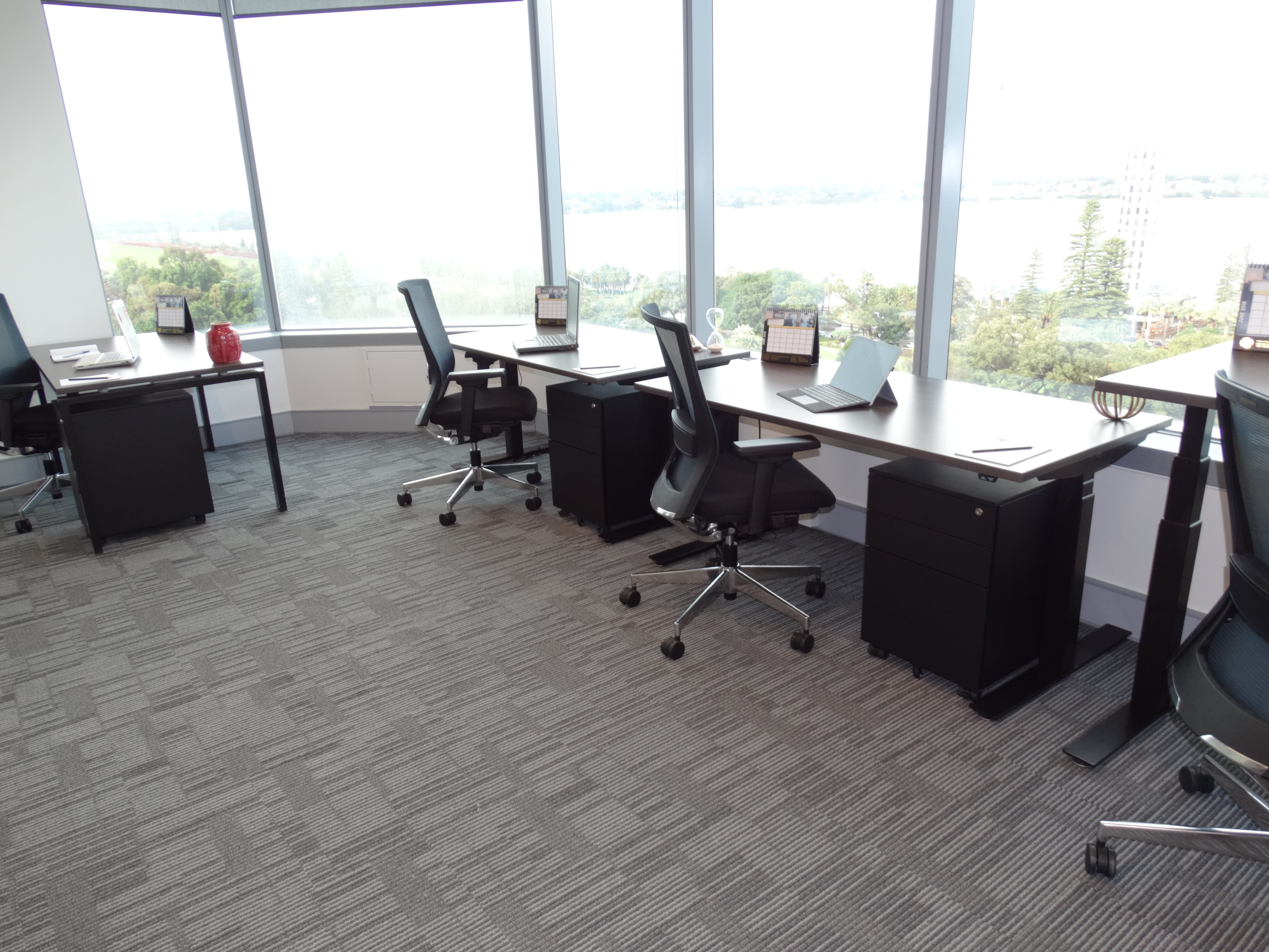 Serviced office at The Exchange Tower, image 1