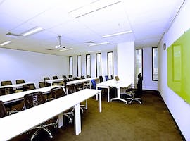 Polished office space ideal for hosting your next training session, image 1