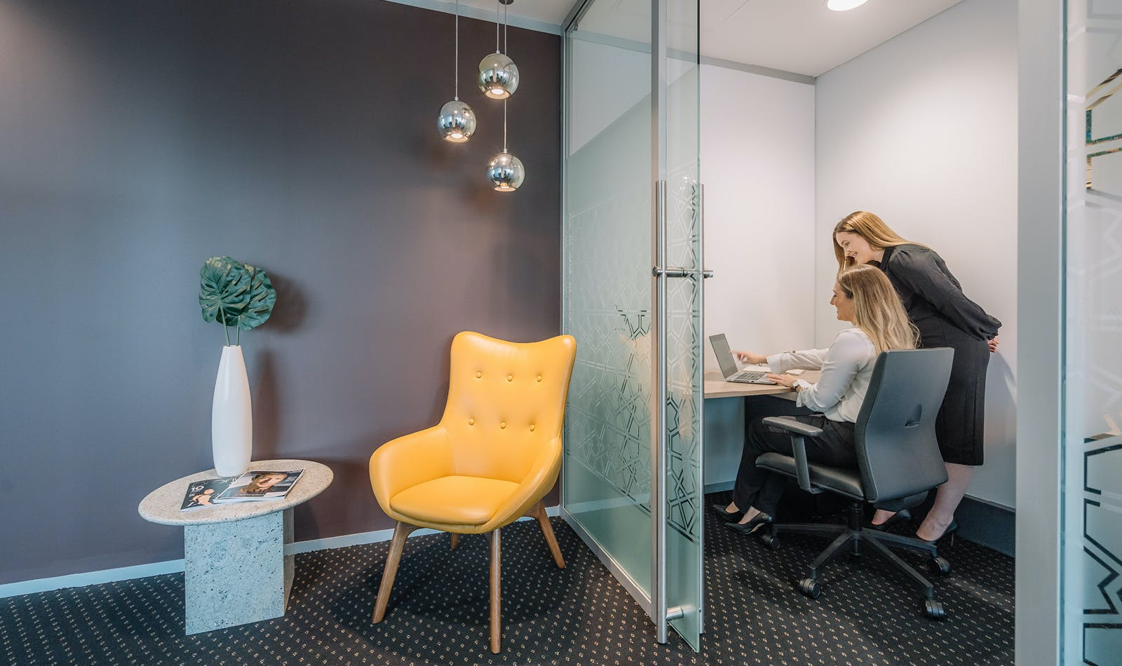 Day Suite, meeting room at Deloitte Building, image 1