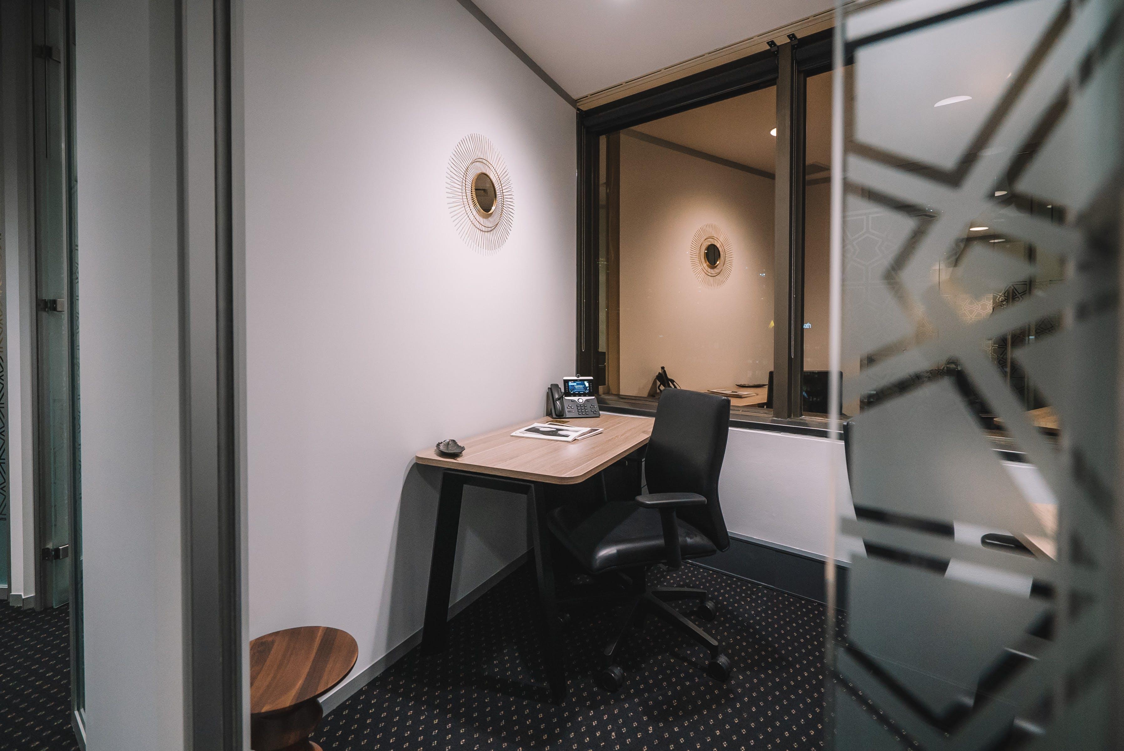 Business Lounge Hot Desk, hot desk at Santos Place, image 6