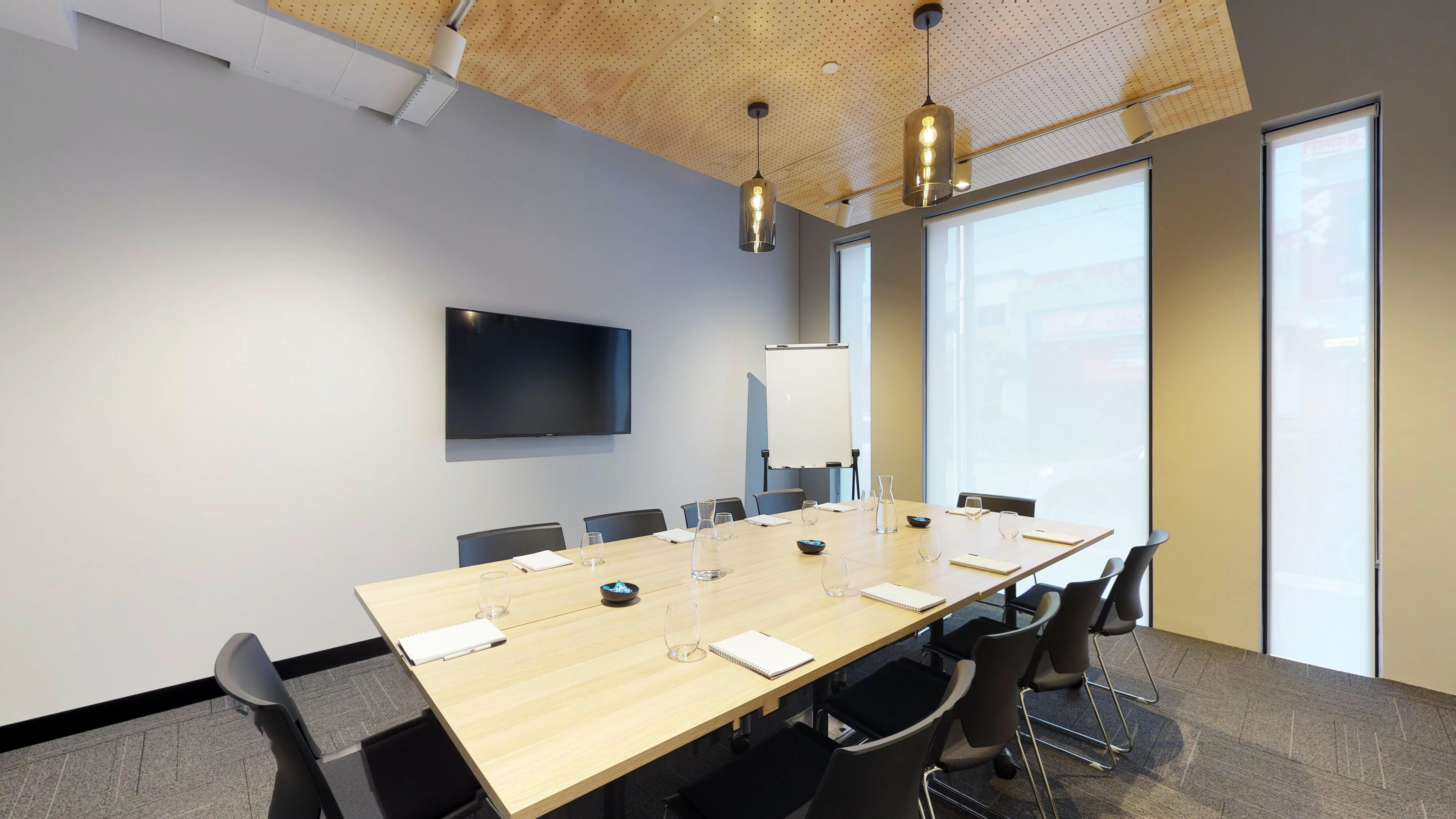 10 Person, meeting room at United Co., image 1
