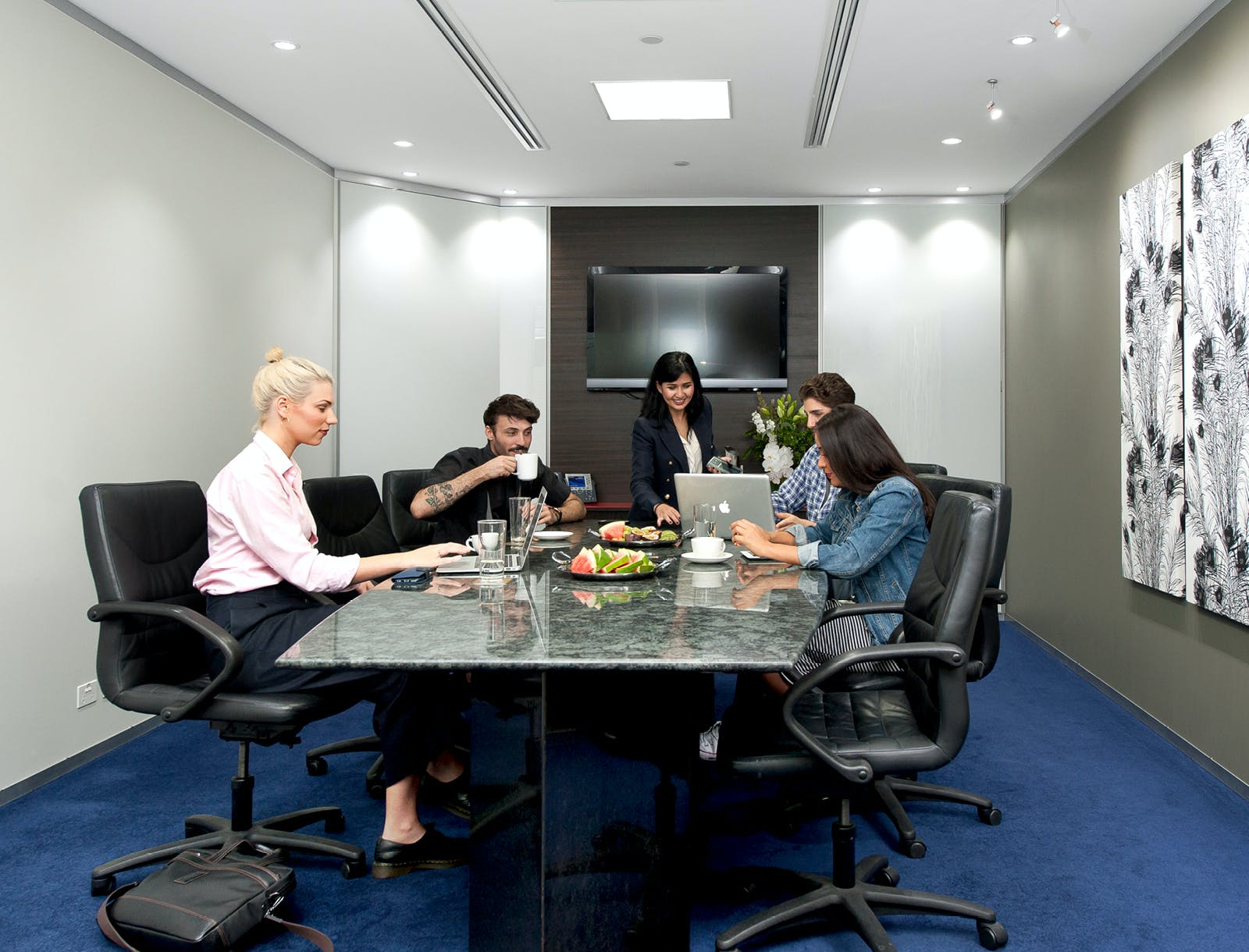 Modern 4-person workspace, private office at Servcorp Reserve Bank Building, image 5