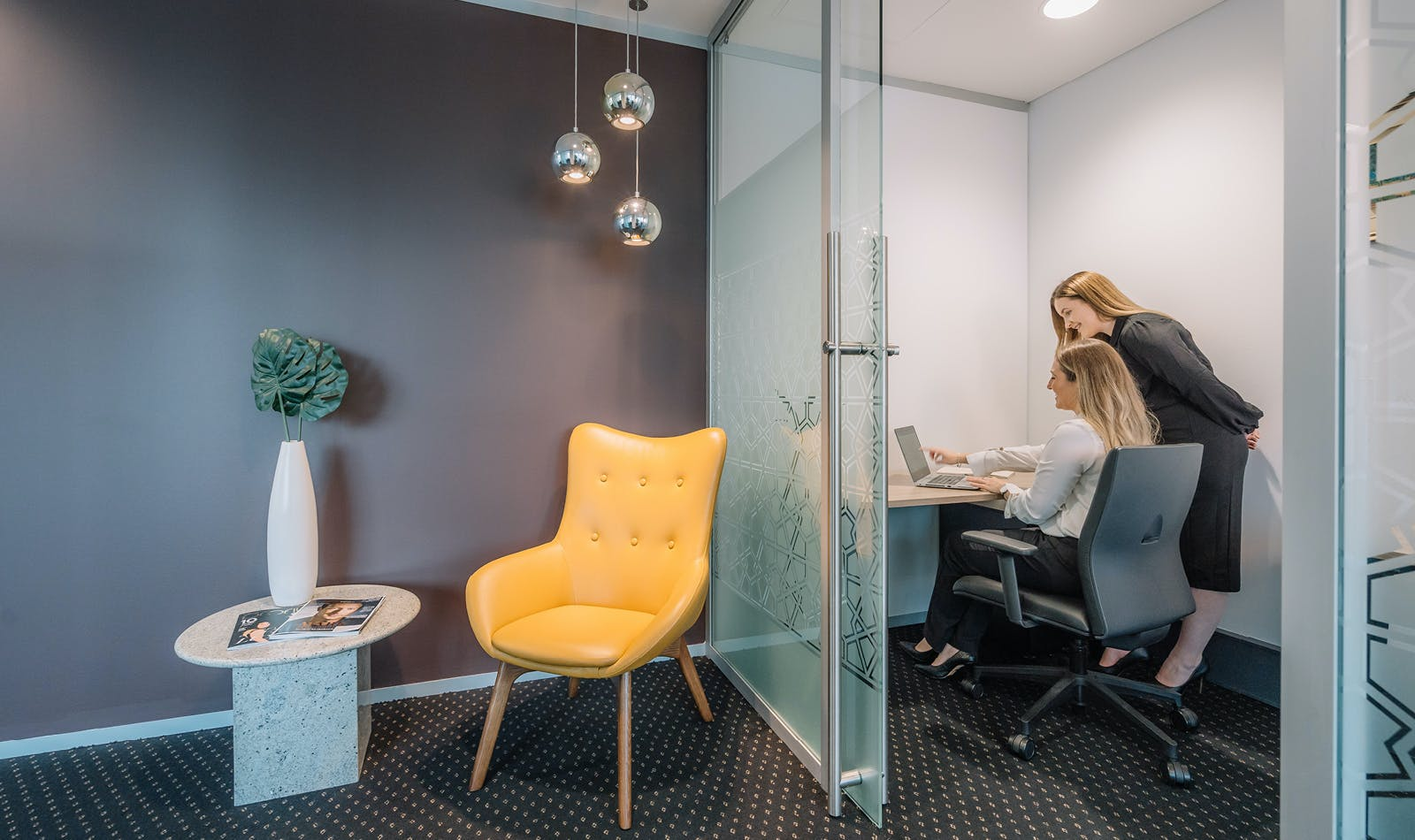 Executive 1-person private workspace, serviced office at Miller Street, image 1