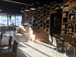 Bustling cafe/retail space in up-and-coming South Fremantle, image 1