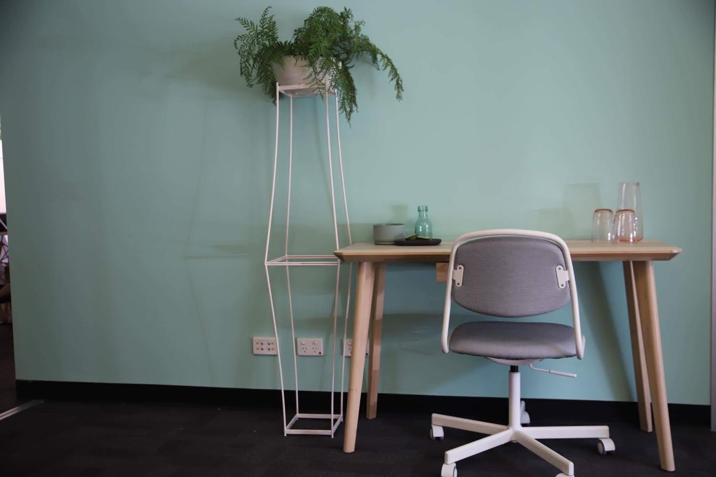 Hot desk at Evolve East End, image 1