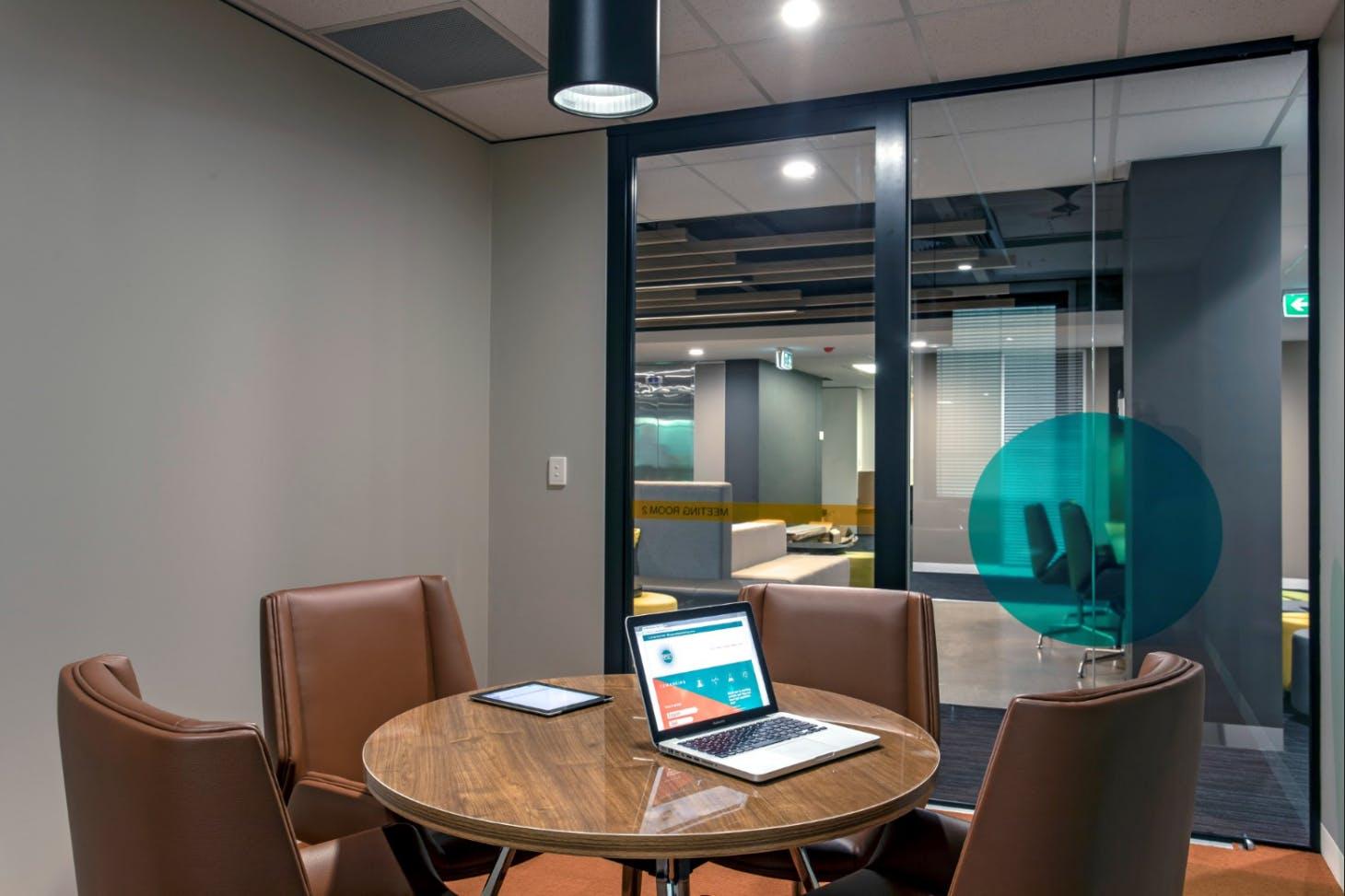 Hot Desk, hot desk at Spot Co-Working, image 4
