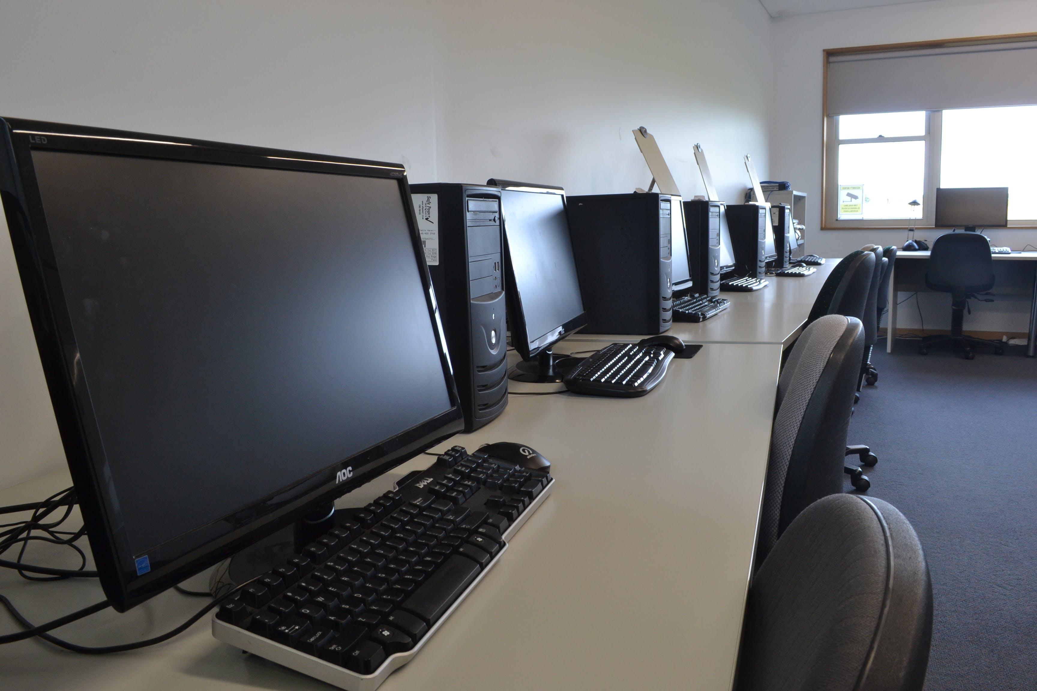 Computer Labs and Meeting Rooms, training room at Ballarat South Community Hub, image 1