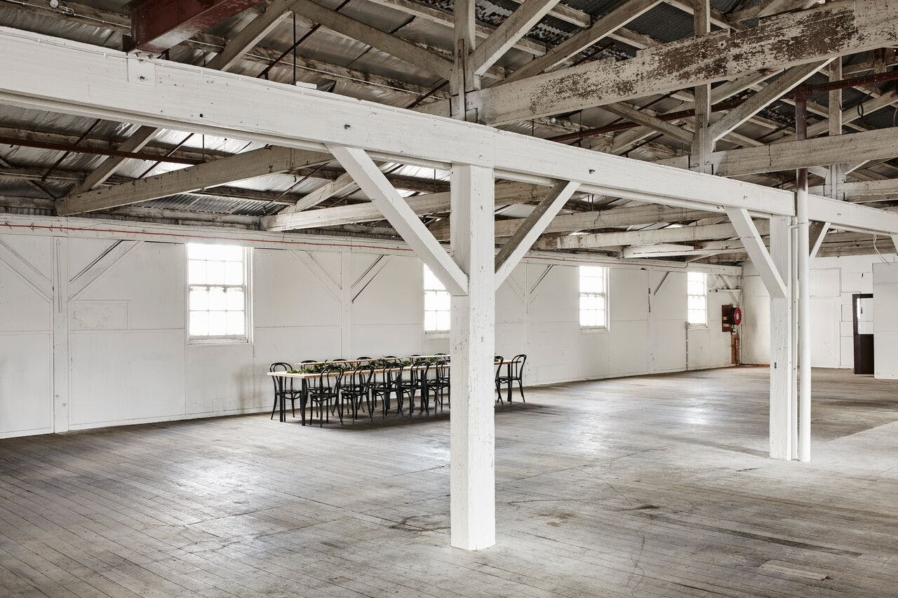 Light-filled & spacious warehouse to make your own, image 1