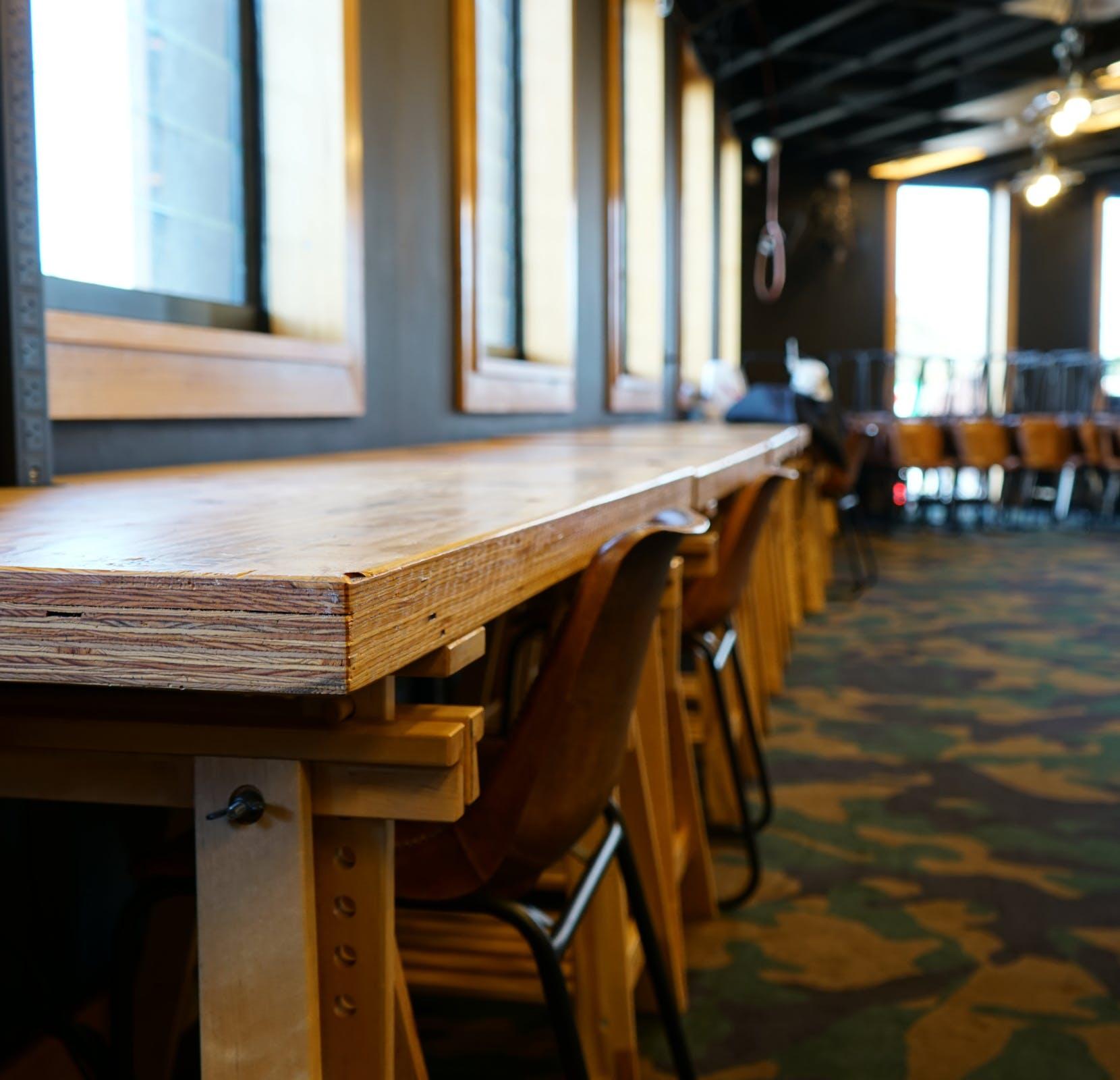 Hot desk at DeskPlex 3122, image 1