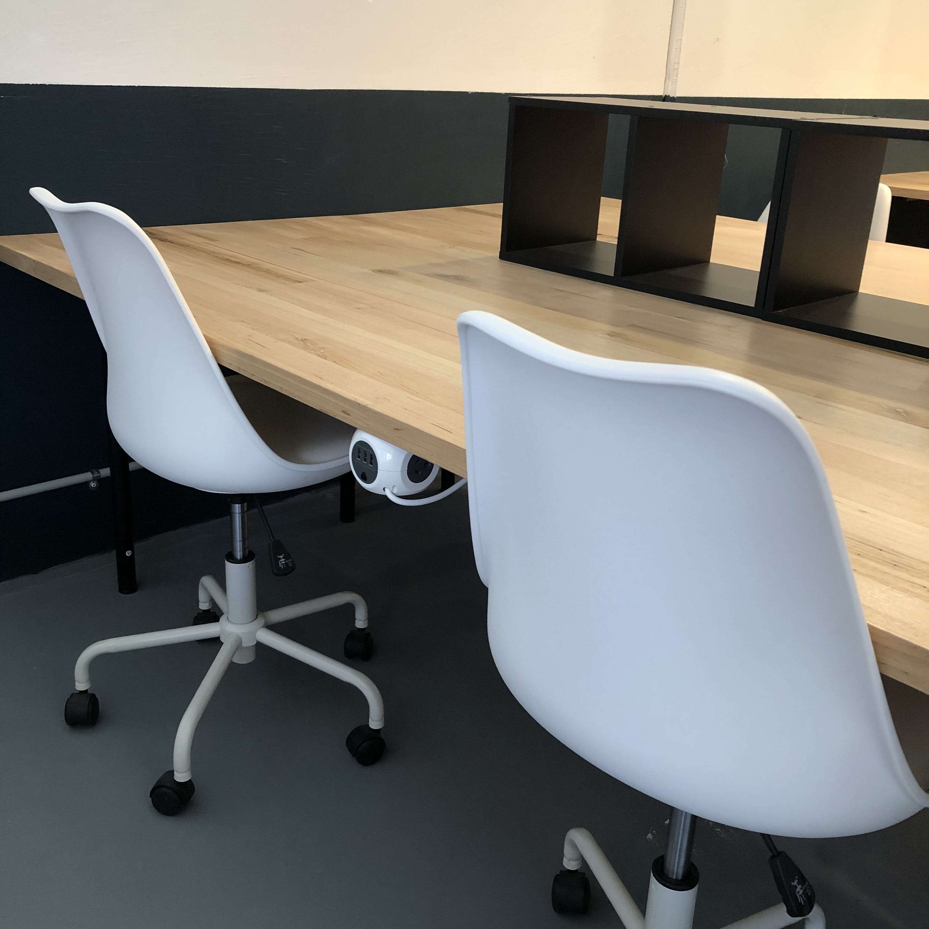 Casual Hot Desk Half Day 1-5.30, hot desk at Bridge Coworking Meeting and Event Space Geelong, image 1