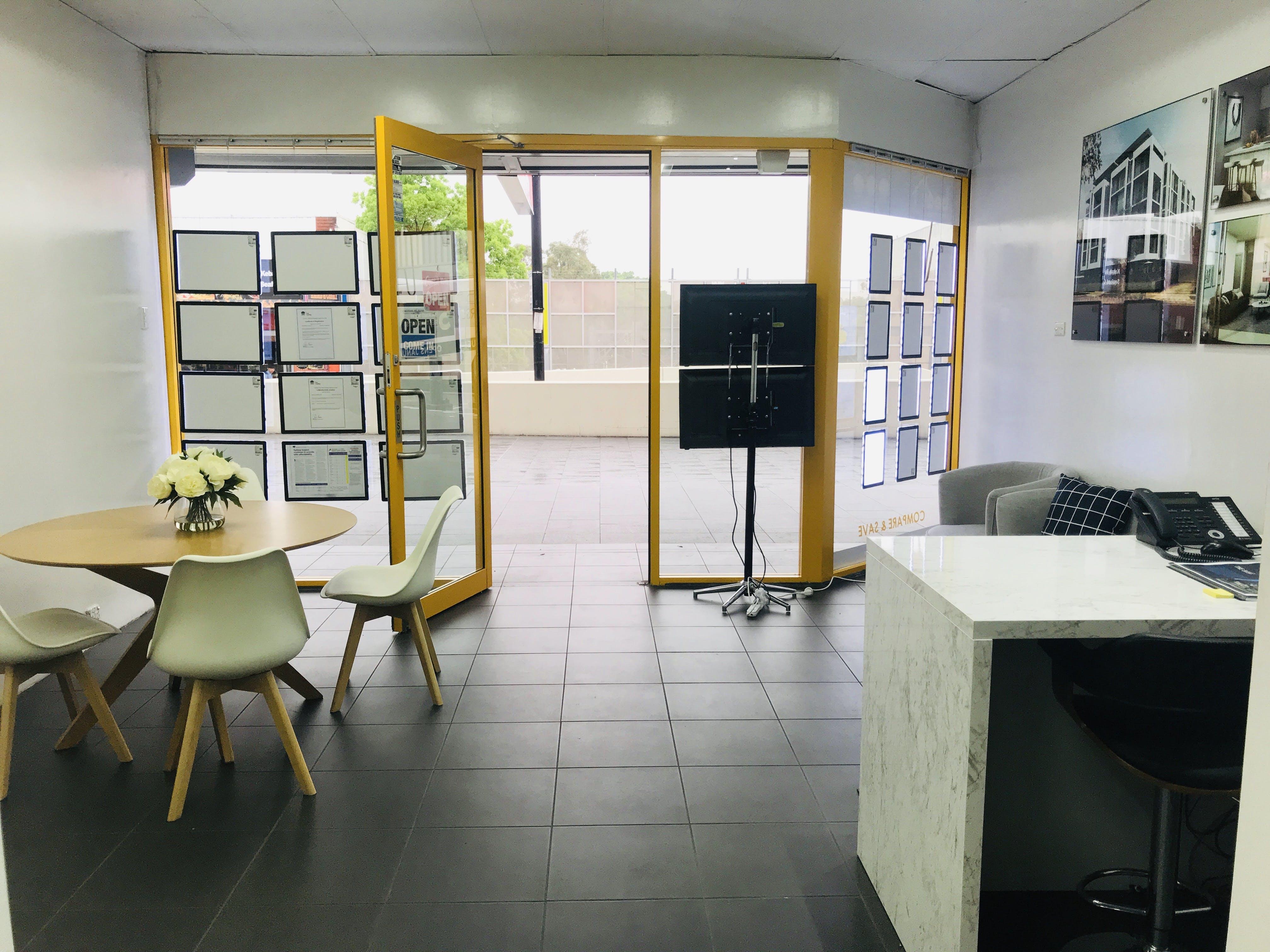 Central Spot , shopfront at Bankstown Train Station, image 1