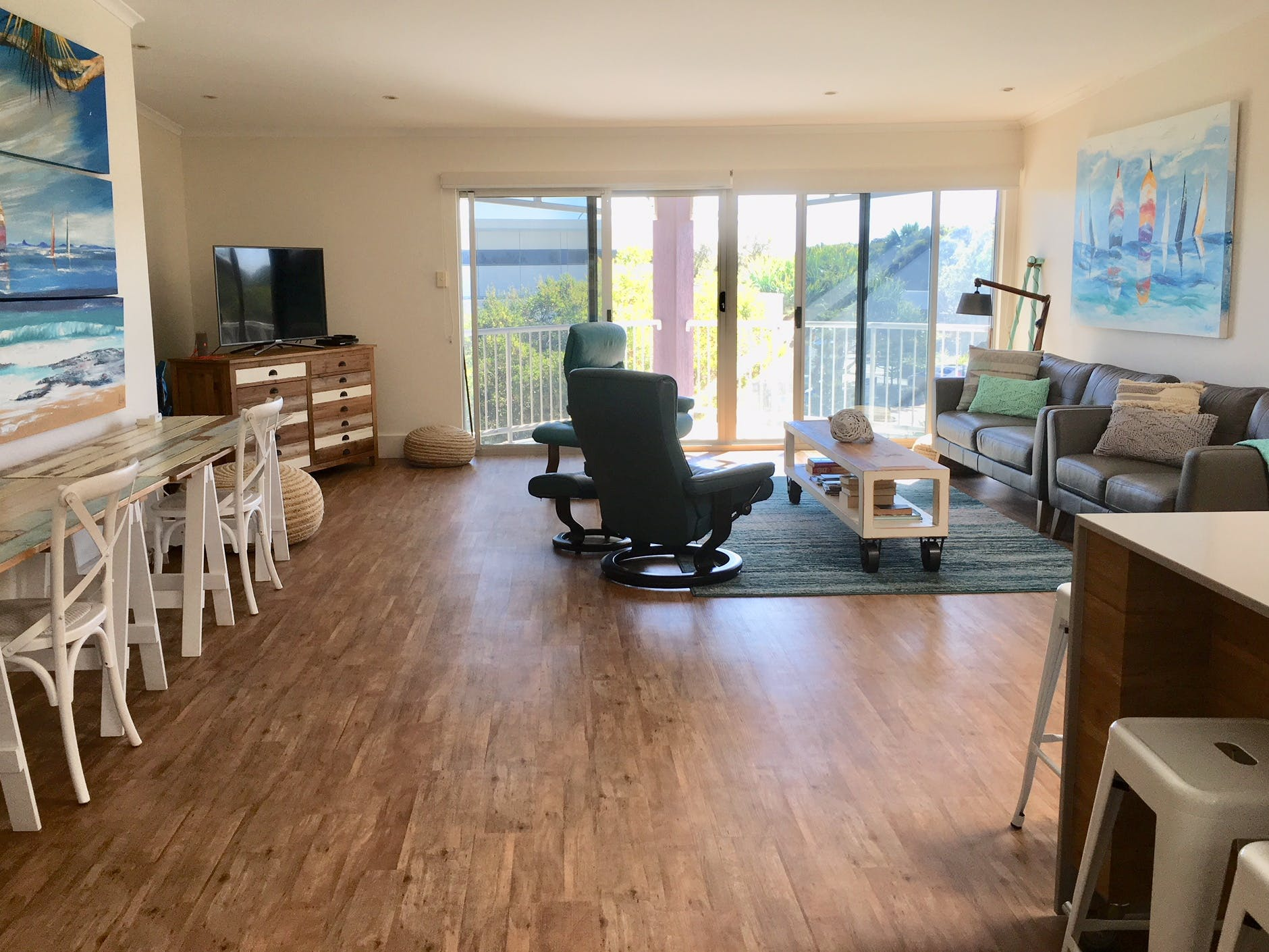 Professional Suite, multi-use area at Marsh Place Suite, image 1