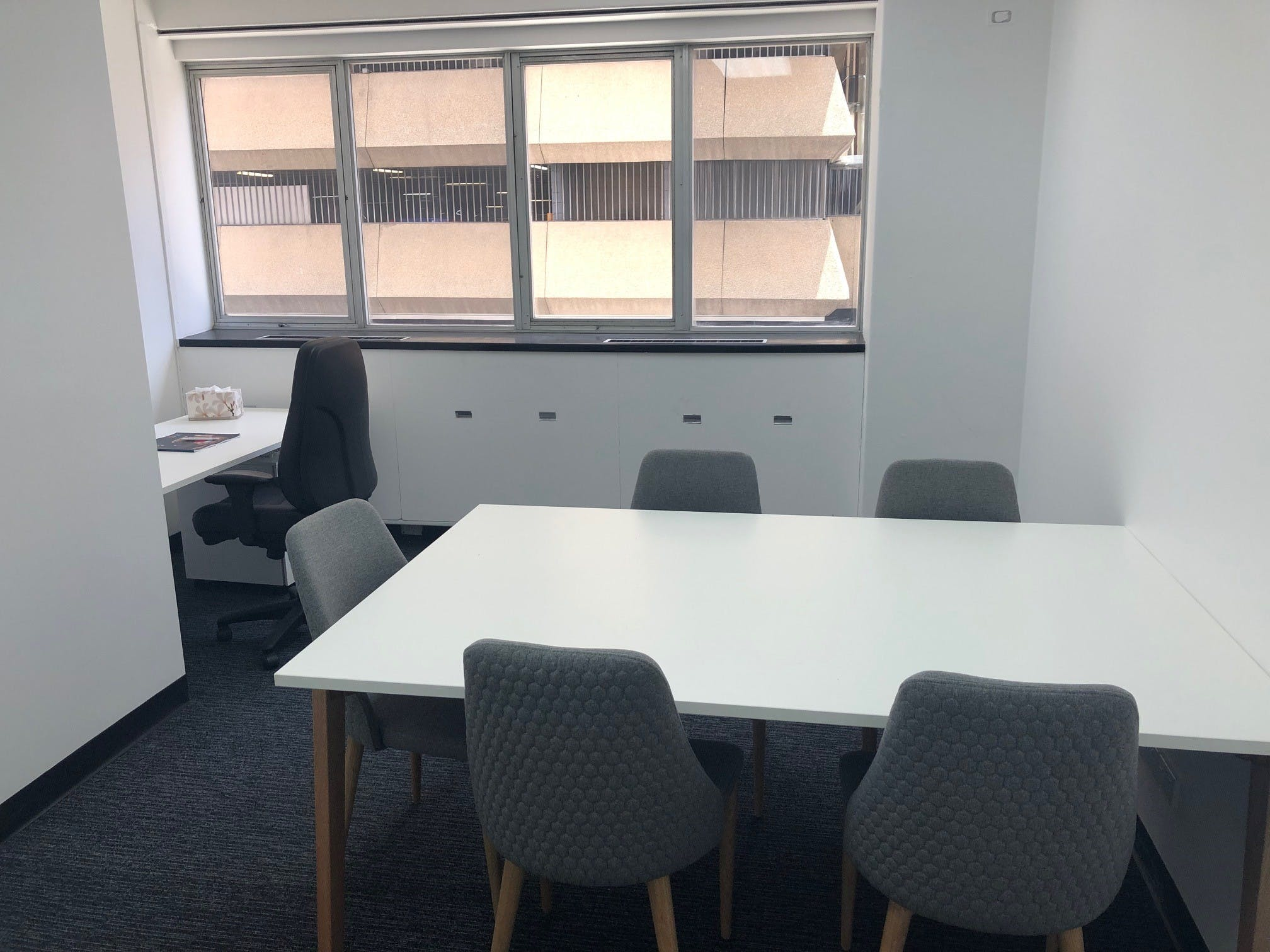 Private office at M1 Centre, image 5