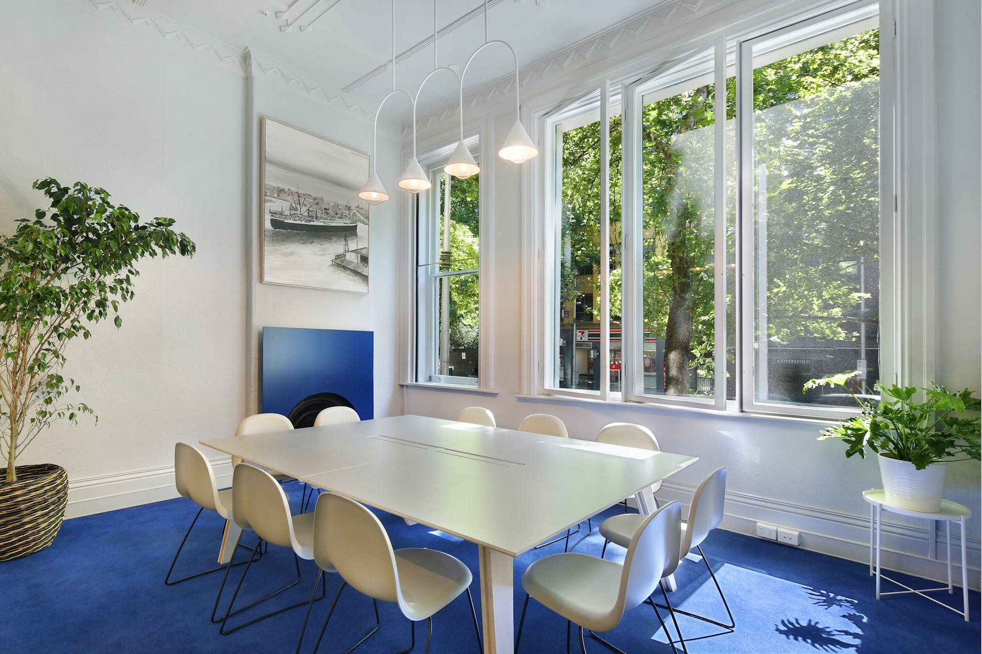 Ground floor, hot desk at 25 King Collective, image 4
