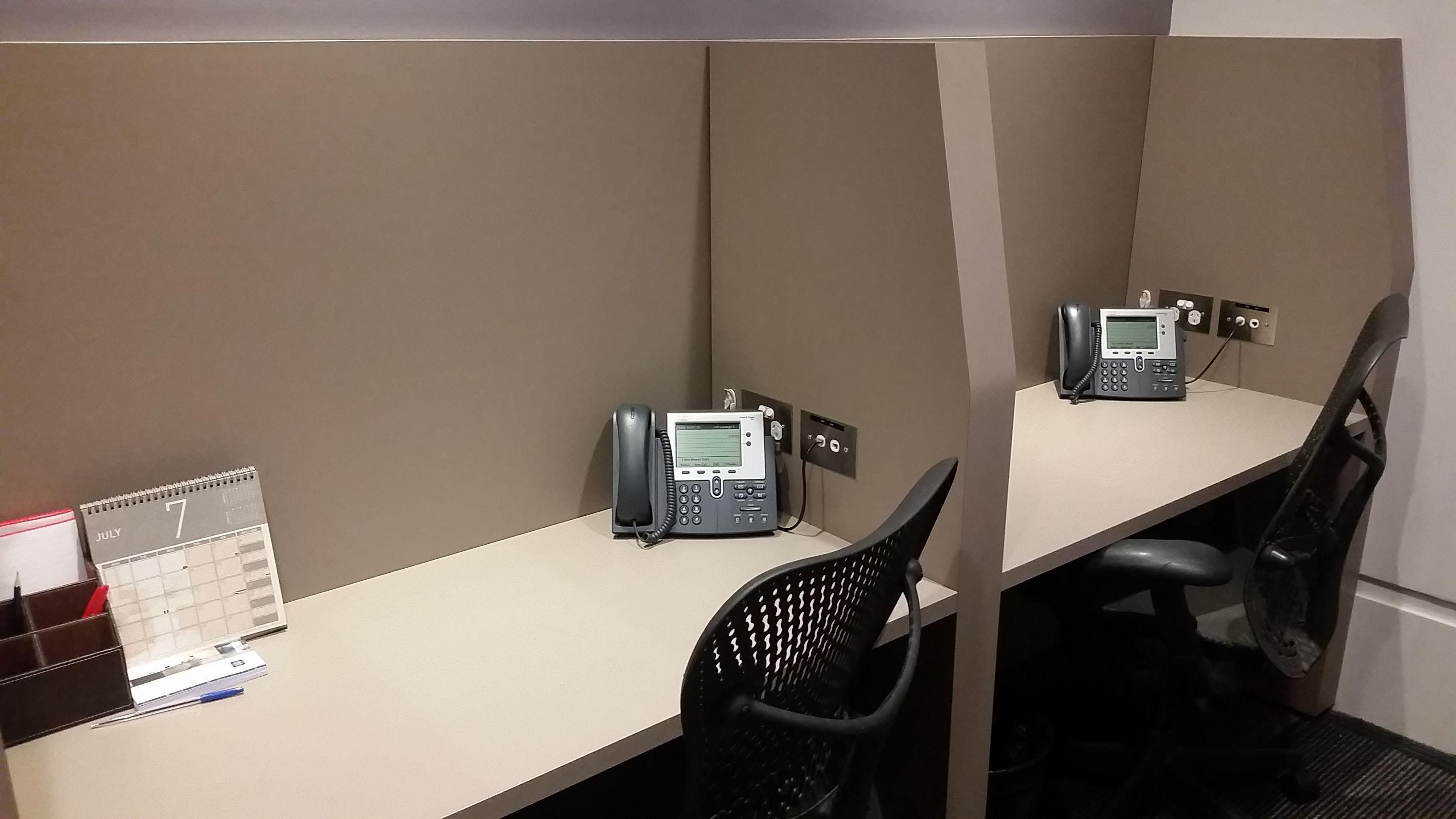 Hot desk at Aurora Place, image 4