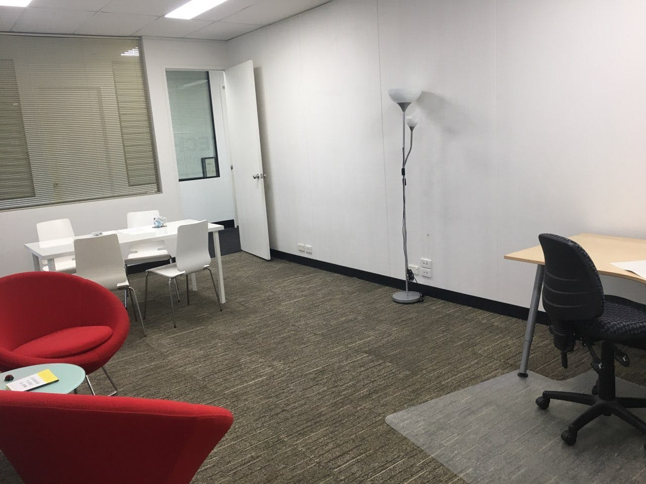 Professional meeting room located in Bentleigh, image 1