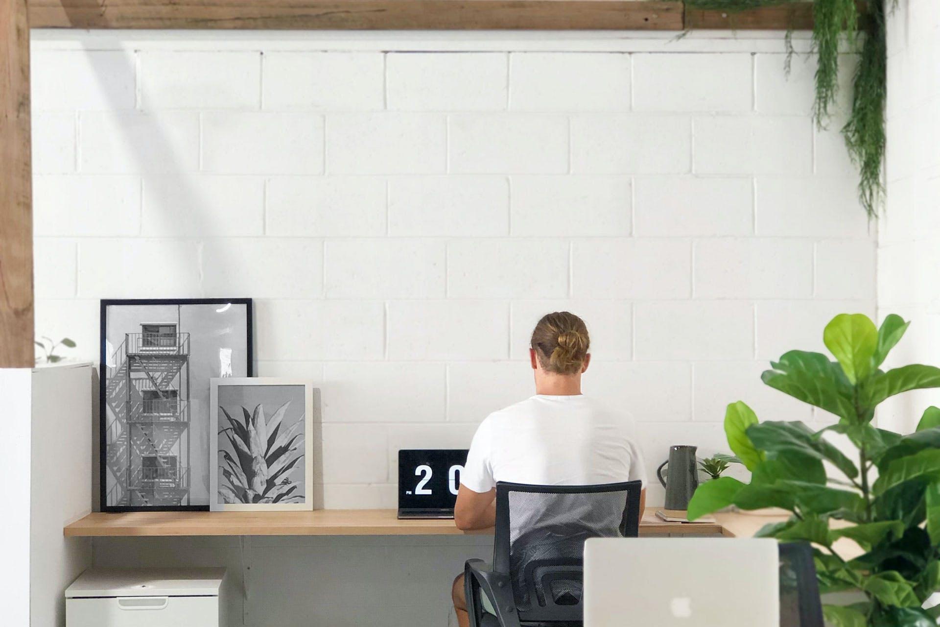 Resident, dedicated desk at Flockd, image 1
