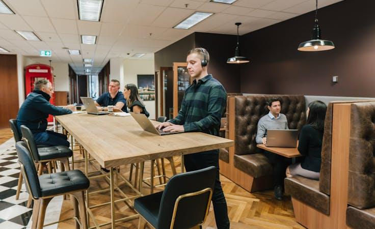 Hot desk at 101 Collins Street, image 1