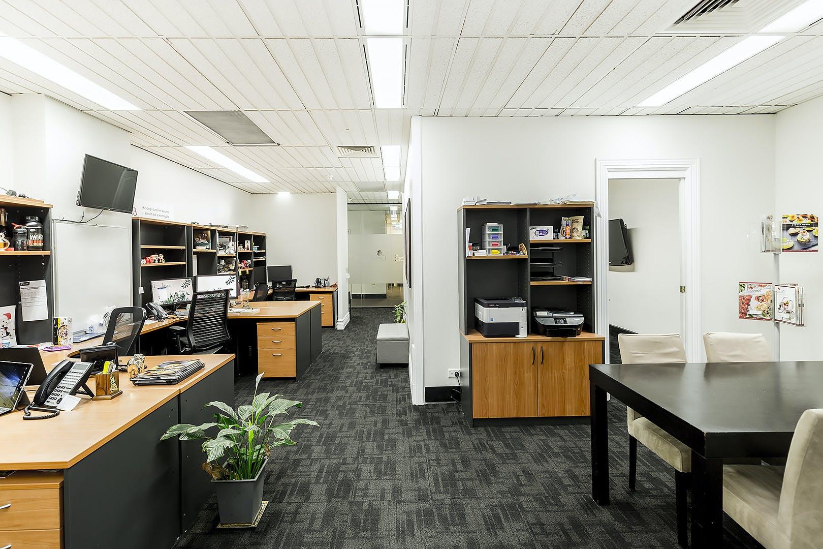 Dedicated desk at 121 Walker St, image 1