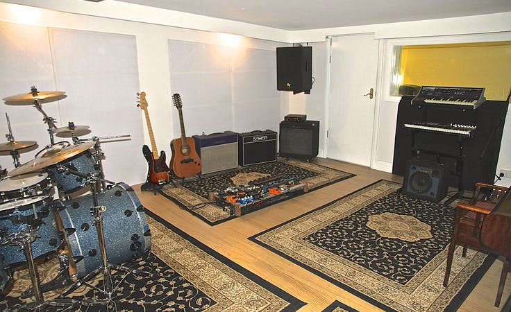 Recording & Rehearsal Studio, creative studio at Black Wall Studios, image 1