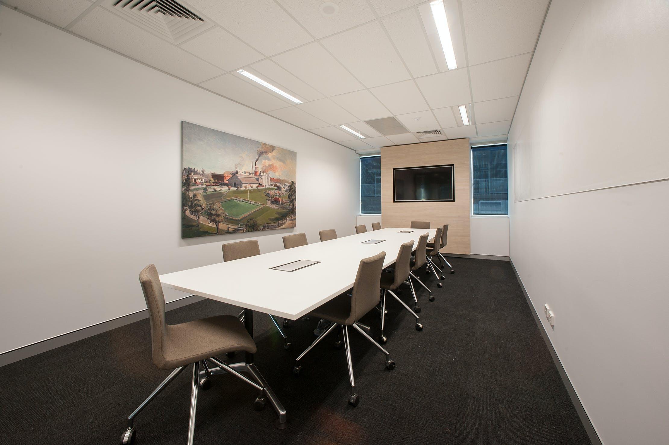 Boardroom, meeting room at BTP Westlink Green, image 1