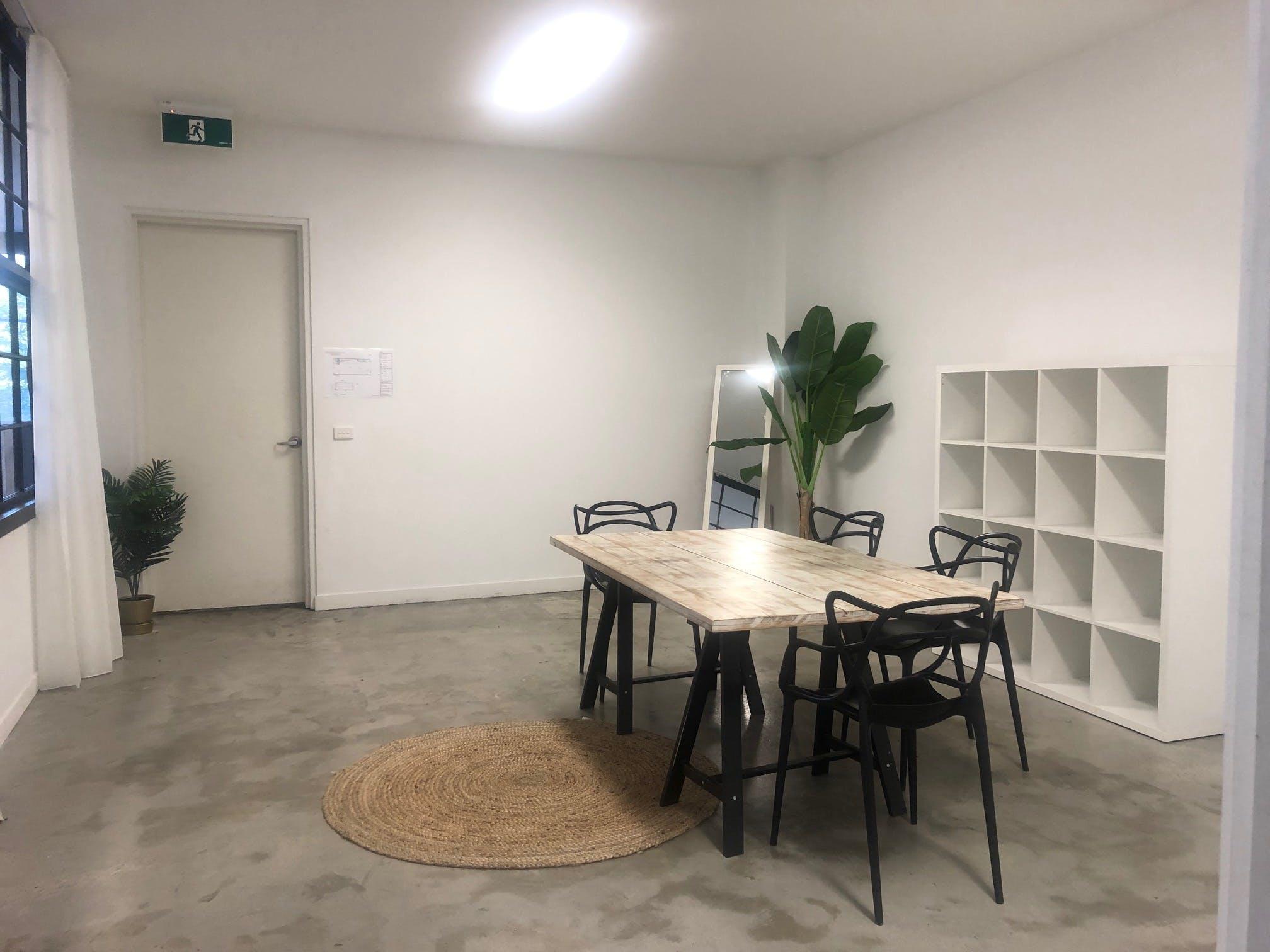 Studio Hub , multi-use area at Studio114, image 1