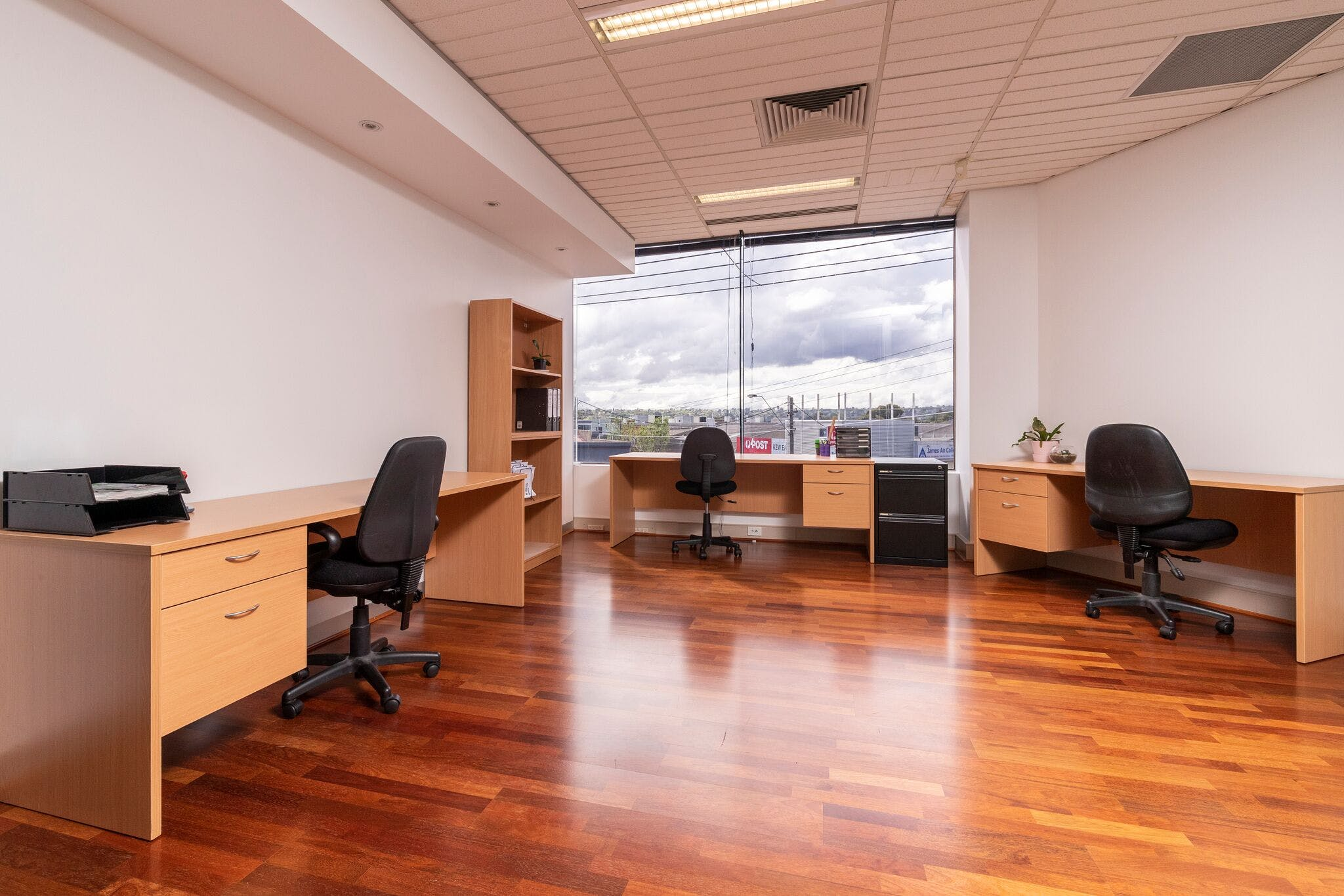 3 Person, private office at Select OwnersCorp Management, image 1