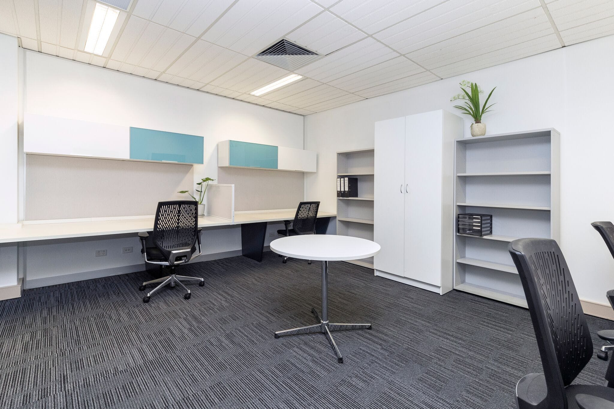 6 Person, private office at Select OwnersCorp Management, image 1
