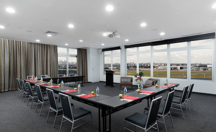 Dreamliner (rooftop), multi-use area at Rydges Sydney Airport, image 1