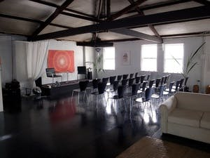 This space has everything you may need for an intimate corporate event, image 1